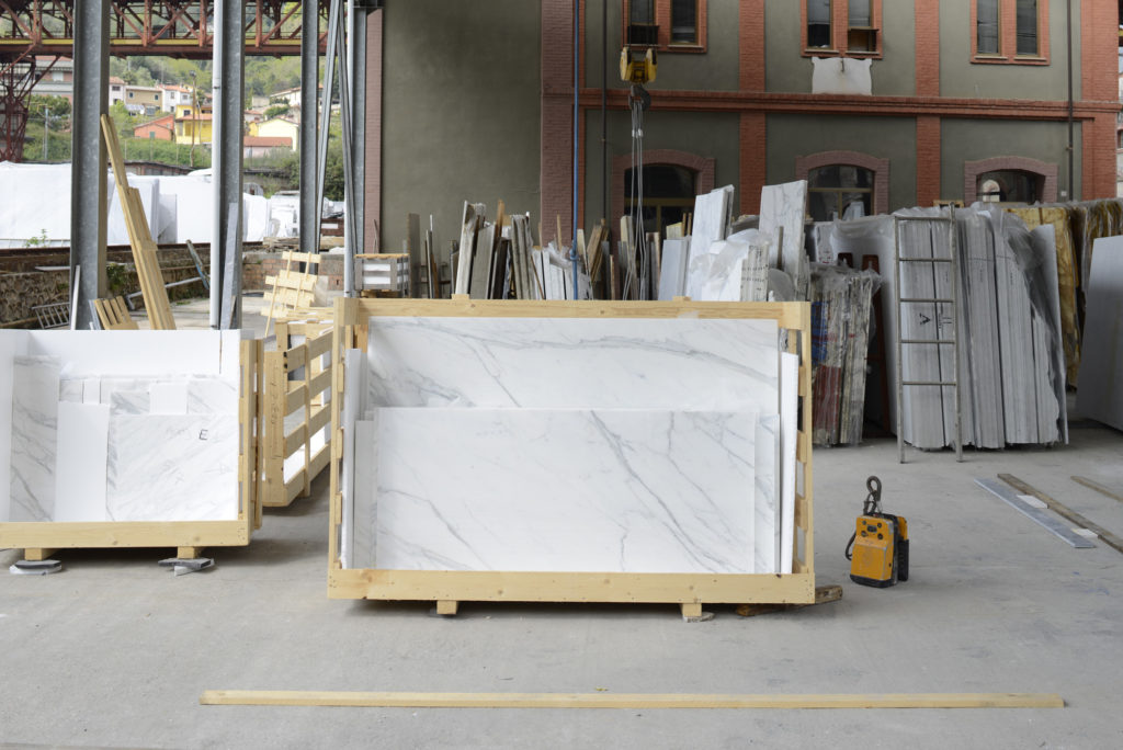 Carrara_Marmor_Platte_Holzrahmen