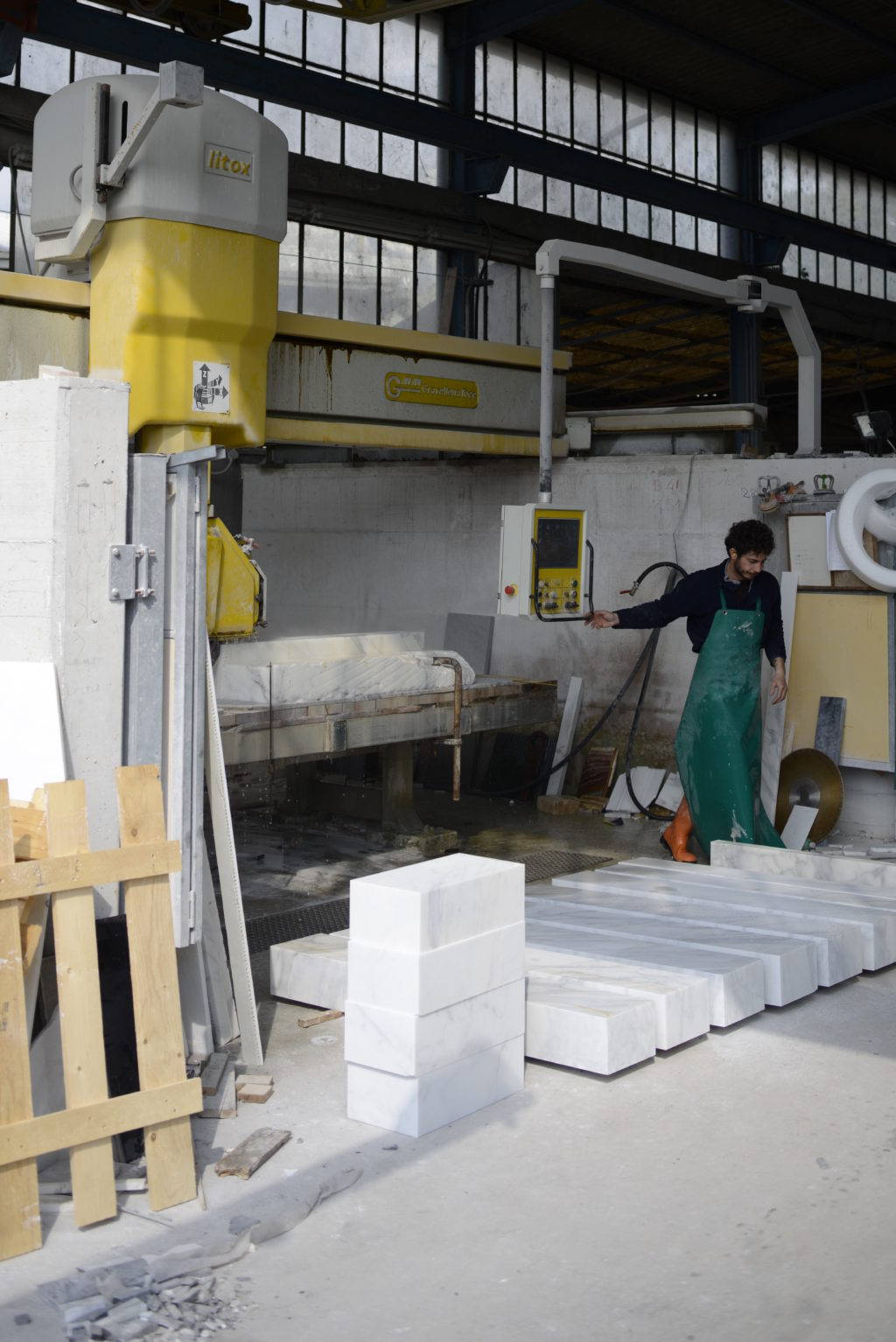 Carrara_Marmor_Maschine