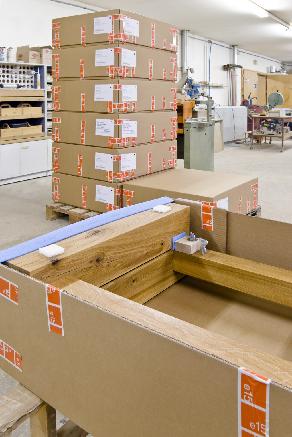Produktion_Holz_BIGFOOT_Verpackung_Beine