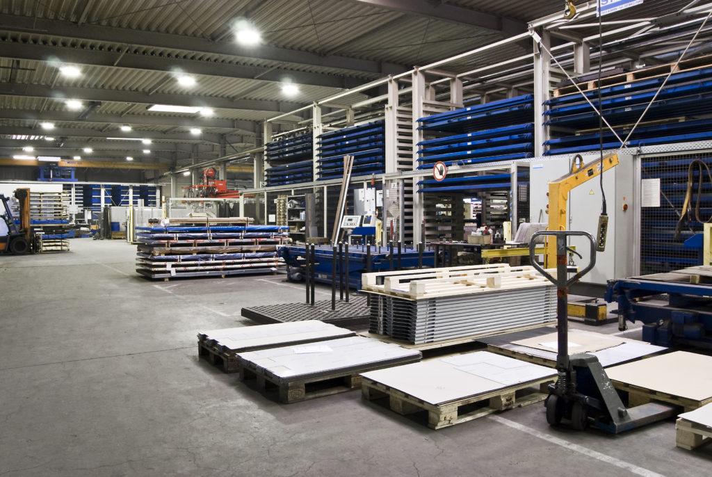 Produktion_Aluminium_Maschinenhalle